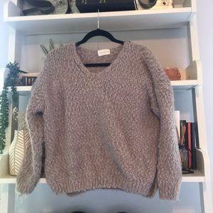 Tillys sweater